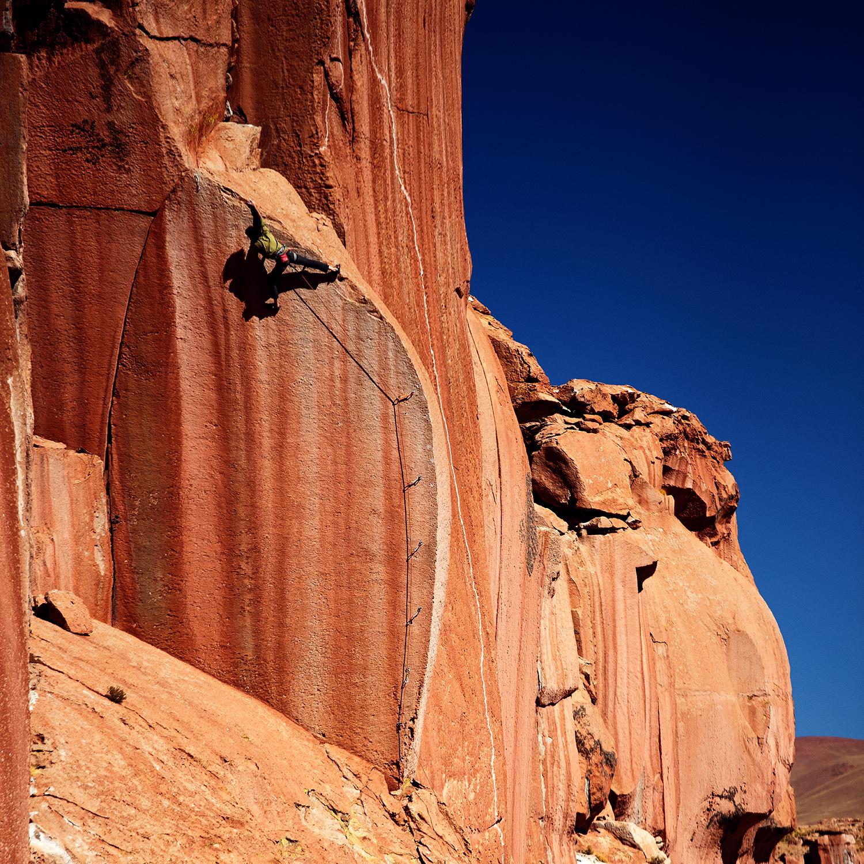 Tuzgle revisited – Die schönste Linie der Reise, Comfort is killing us (9a), auf windigen 4300m – angesichts abgereister Kletterpartner leider alleine mit den Kindern am Fixseil geklettert. Kapitel 19 (16.08. – 24.08.)